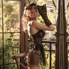 【天猫】情趣内衣女性感蕾丝柔纱吊带透视兔女郎马甲短裙睡裙套装9255
