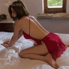 【天猫】曼烟轻奢性感睫毛蕾丝透视柔纱露背系带吊带睡裙9852