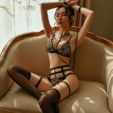 【天猫】曼烟透视蕾丝镂空刺绣绑带三点式套装制服诱惑9397